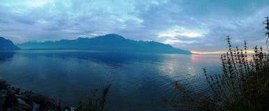 Leman sjö, härlig sjö i Montreux, Schweiz, Royaltyfri Bild