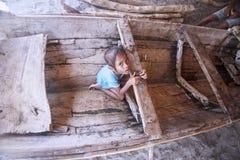 从Lembata海岛的亚裔女孩  图库摄影