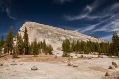 Lembert圆顶在优胜美地国家公园 免版税图库摄影