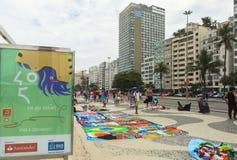 Lembrança na praia de Copacabana em Rio de janeiro fotos de stock royalty free