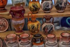 Lembranças antigas dos vasos para a venda Foto de Stock