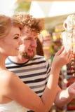 Lembranças de compra dos pares novos exteriores Foto de Stock