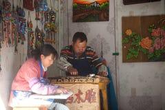 Lembranças feitas da madeira da loja feito a mão na cidade velha de Dayan. Foto de Stock Royalty Free