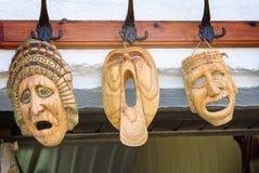 Lembranças: máscaras feitas da madeira, simbolizando emoções humanas Fotos de Stock Royalty Free