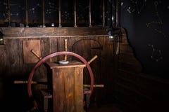 Leme de madeira do navio artificial foto de stock royalty free
