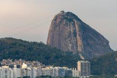 Leme en Copacabana-Strand in Rio DE die janeiro het suikerbrood op de zonsondergang overzien royalty-vrije stock fotografie