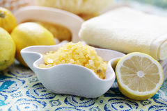 Lemon bath salt Royalty Free Stock Photography