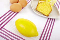 Lemon and cake Royalty Free Stock Photography