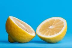 Lemon cut in half Royalty Free Stock Images