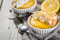Lemon meringue mini pies Royalty Free Stock Images