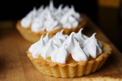 Lemon meringue tartlets Royalty Free Stock Photography