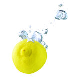 lemon pod wodą Zdjęcia Royalty Free