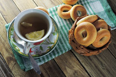 Lemon tea and bagels Royalty Free Stock Photography