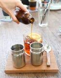 Lemon tea or pour some tea. Into the glass Royalty Free Stock Photos