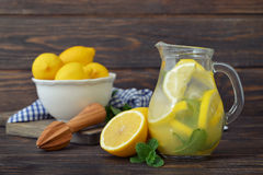 Lemonade with fresh lemon Stock Photography