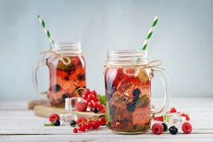 Lemonade with summer berries Royalty Free Stock Photos