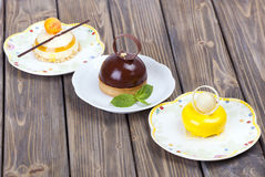 Lemons delicious chocolate cake Royalty Free Stock Images