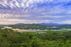 Lempa-Flussreservoir in El Salvador Stockfotos