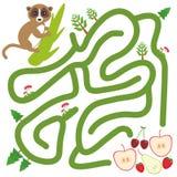 Lemur na gałąź i jabłczanej bonkrety truskawkowej wiśni na białej tło labityntu grą dla Preschool dzieci wektor royalty ilustracja