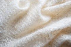 Lenço branco do fluff da cabra imagens de stock royalty free