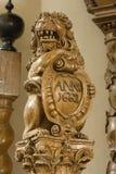 León, parte de un 17ma. púlpito del siglo Foto de archivo libre de regalías