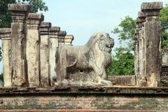León y ruinas Fotos de archivo libres de regalías