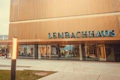 Lenbachhaus,美术馆的新的现代大厦有绘画的Kandinsky和保罗・克利 库存图片
