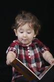 Lendo um bom livro Imagem de Stock