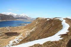 Lengüeta de la colina sobre el fiordo de Napp Fotos de archivo