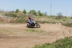 Lengte van het kampioenschap van de de lentemotocross stock foto