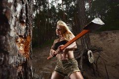 Lenhador da mulher da aptidão fotografia de stock