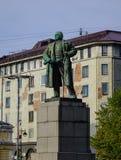 Lenin-Statue am Quadrat in Wyborg, Russland stockbilder