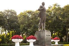 Lenin staty i Hanoi Arkivfoton