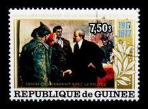 Lenin talar med folket, den 60th årsdagen av den Oktober varven Royaltyfria Bilder