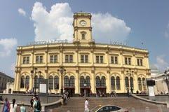 Leninsgradkiy järnvägsstation i den Komsomolskaya fyrkanten, Moskva Arkivbild