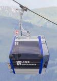 Lenk im Simmental Schweiz - Juli 12, 2015: Skidlift i moun Fotografering för Bildbyråer