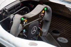 Lenkrad des Autos der Mercedes-Formel 1 Stockfotografie