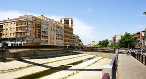 Lenkung des Flusses Onyar in Girona, stockfotos