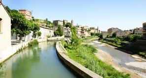 Lenkung des Llobregat-Flusses, wie er durch Gironella überschreitet lizenzfreie stockbilder