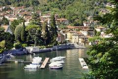 Lenno stad och Como marina arkivfoton