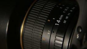Lens fokusjustering arkivfilmer