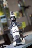Lensometer com eyeglasses Imagem de Stock