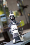 Lensometer met oogglazen Stock Afbeelding