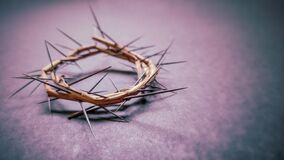 Free Lent Season,Holy Week And Good Friday Concepts -image Of Crown Of Thorns In Purple Vintage Background Royalty Free Stock Image - 174138526