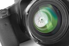 Lente de cámara aislada en el fondo blanco Imagen de archivo libre de regalías