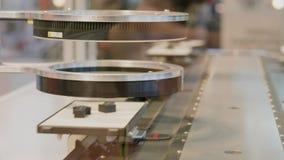 Lente de los detalles de exploración del sistema automático de la prueba en transportador metrajes