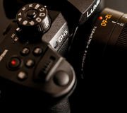 Lente de nueva cámara de Panasonic Lumix GH5 y de Leica 12-60 Fotos de archivo libres de regalías