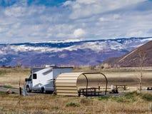 Lente rv die in Colorado de kamperen stock afbeelding