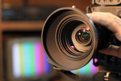 Lente zumbindo da câmara de vídeo Fotos de Stock Royalty Free