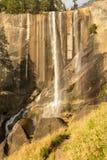 Lentedalingen bij het Nationale Park van Yosemite in Californië stock afbeelding